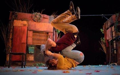 Un espectáculo teatral y circense inaugura el Festival Anfitrión en Baelo Claudia (Cádiz)