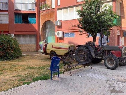 La Algaba realiza la tercera desinfección extraordinaria del verano en sus calles para evitar el Covid