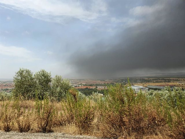 Junta de CLM recomienda a vecinos de Puertollano y Argamasilla de Calatrava cerrar ventanas por el incendio en Repsol