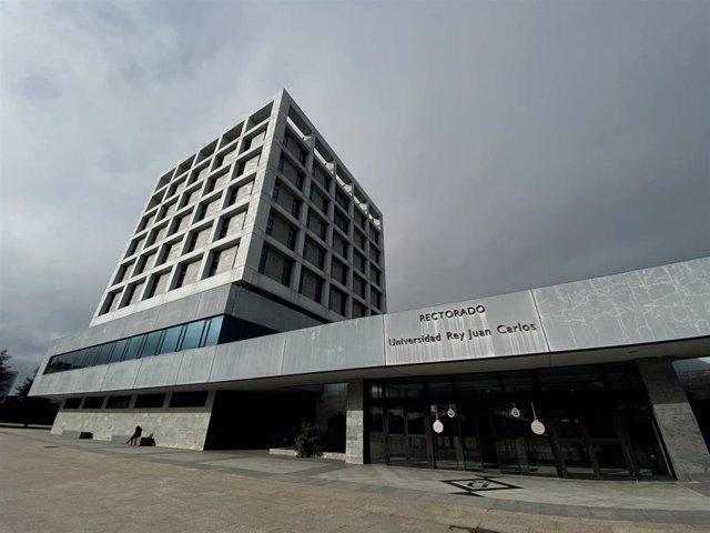 Fachada exterior del edificio del Rectorado de la Universidad Rey Juan Carlos (URJC).