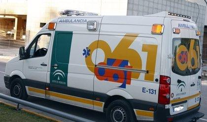 Una menor y tres adultos heridos al colisionar dos turismos en Almería