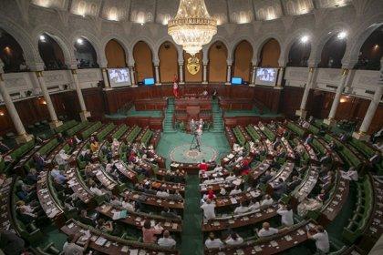 """El primer ministro designado dice que formará un Gobierno tecnócrata en Túnez ante las """"divergencias"""" entre los partidos"""