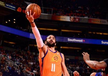 Los Suns de Ricky Rubio siguen invictos y se acercan a los 'playoff'
