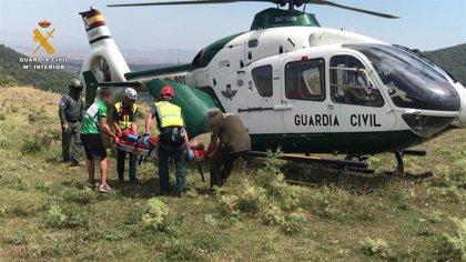 El Servicio de Montaña de la Guardia Civil en La Rioja rescata a 2 personas accidentadas