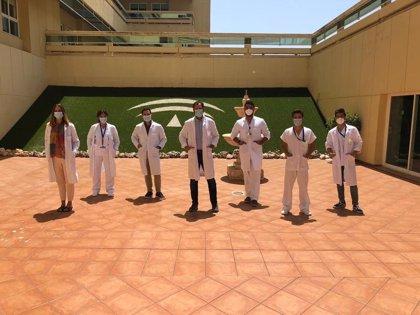 Médicos residentes de Cirugía Ortopédica y Traumatología del Hospital Costa del Sol, ganadores por equipos de Copa Secot