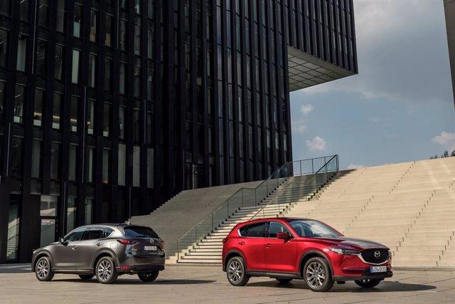 Imagen de los todocaminos de Mazda.