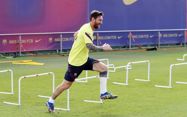 Fútbol/Champions.- Leo Messi entrena sin problemas en la vuelta al trabajo del F