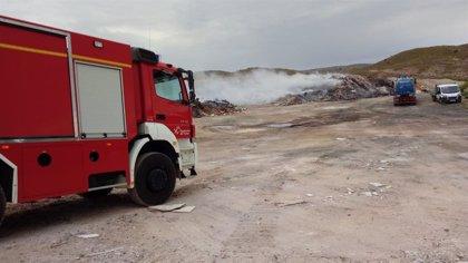 El incendio de la escombrera de Teruel se da por controlado