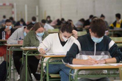 Tres dobles grados de ciencias y Medicina lideran las notas de corte en Galicia