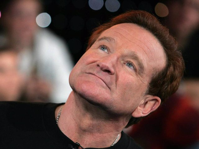 MTV TRL With Robin Williams & JoJo    NEW YORK - APRIL 27:  (US TABLOIDS OUT) Actor Robin Williams appears onstage during MTV's Total Request Live at the MTV Times Square Studios on April 27, 2006 in New York City.  (Photo by Peter Kramer/Getty Images)