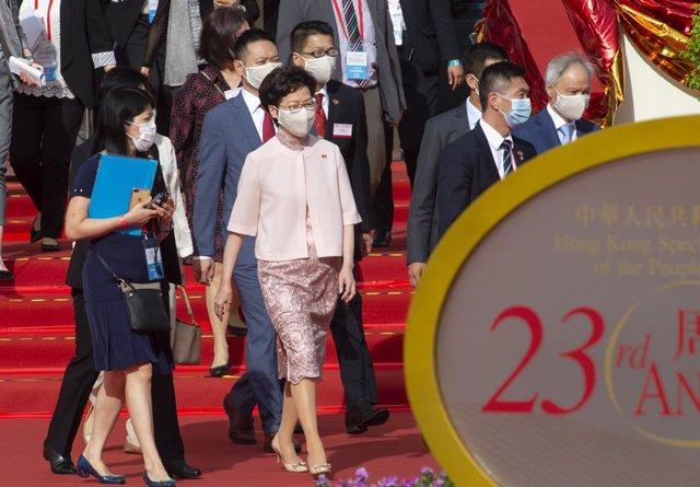 China.- Pekín prorroga el mandato de los diputados de Hong Kong y avala el aplaz