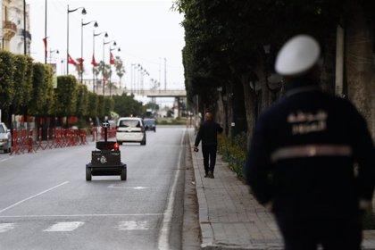 Coronavirus.- Túnez anuncia la obligatoriedad del uso de la mascarilla en espacios públicos