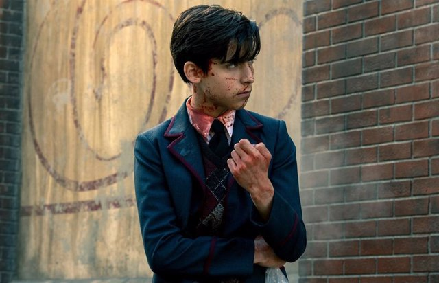 Cinco, uno de los protagonistas de The Umbrella Academy, la serie de Netflix