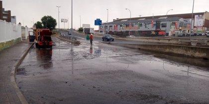 La M-506 vuelve a cortarse al tráfico, al igual que esta mañana, por la intensa lluvia caída