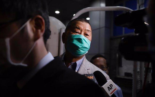China.- El magnate de la comunicación Jimmy Lai, en libertad bajo fianza tras se