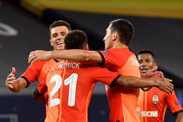 Fútbol/Liga Europa.- (Crónica) El Shakhtar apabulla al Basilea y se cita con el