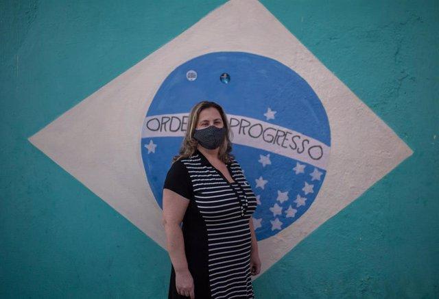 La enfermera brasileña Sarah Aldana Rangon, voluntaria para el estudio de una posible vacuna contra la COVID-19 diseñada por la farmacéutica Sinovac.