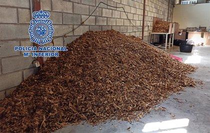 Diez detenidos en Ciudad Real y Córdoba por vender más de 54 toneladas de picadura de tabaco a domicilio por paquetería