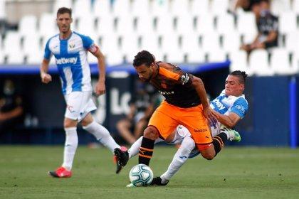 Coquelin deja el Valencia y ficha cuatro temporadas por el Villarreal