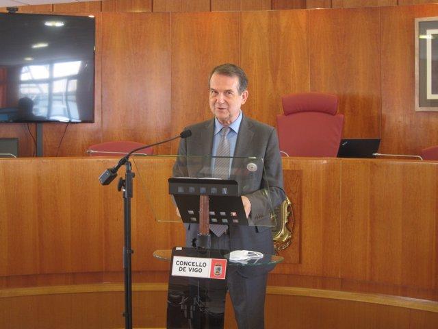 El alcalde de Vigo, Abel Caballero, durante la rueda de prensa de este lunes