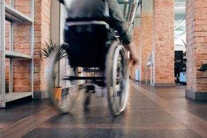 El CERMI pide la reforma urgente del marco de derechos de los pasajeros aéreos con discapacidad