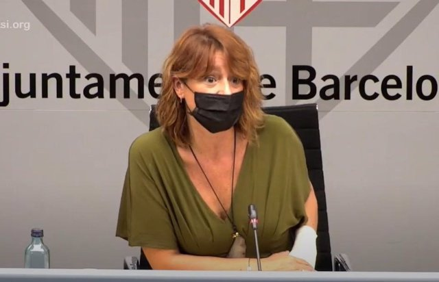 La tercera tinent d'alcalde de Barcelona, Laia Bonet, en una roda de premsa