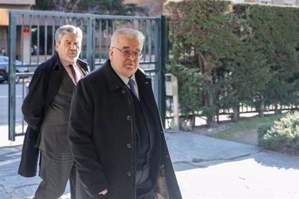 El presidente del TC no contempla la dimisión de Valdés y prevé recuperar la normalidad a la vuelta de vacaciones