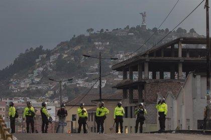 Ecuador.- El ex presidente ecuatoriano Abdalá Bucaram, detenido por segunda vez en dos meses