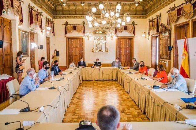 Reunión entre administraciones para intentar frentar el avance del covid-19 en Almería