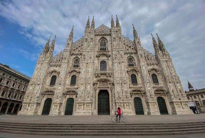 Detenido un hombre tras tomar como rehén a un guardia de seguridad del Duomo de Milán y amenazarlo con un cuchillo
