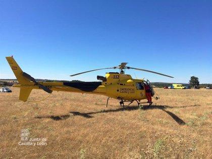 Evacuado en helicóptero tras volcar un turismo en Santas Martas (León)