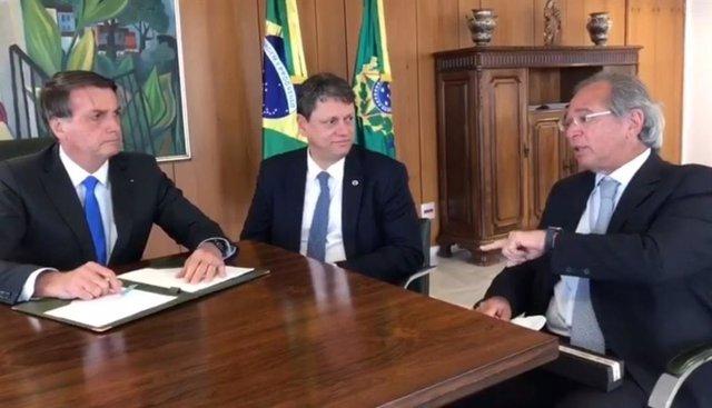 Bolsonaro defiende las privatizaciones de las empresas públicas deficitarias