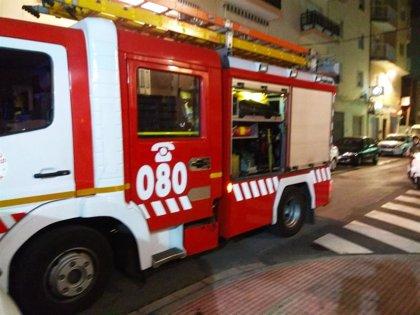 Herida una joven de 20 años tras saltar por la ventana para huir de un fuego en su casa de Huércal de Almería