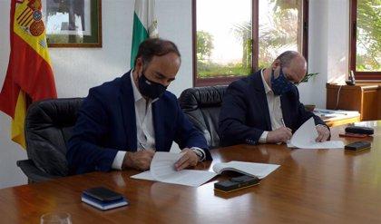 La APBA y el Consorcio de Bomberos de Cádiz renuevan su colaboración para aumentar la seguridad en muelles y buques