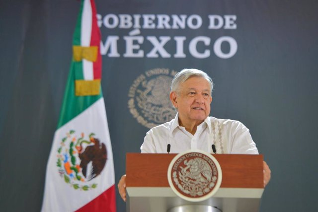 México.-México anuncia la incautación en el aeropuerto de la capital de 220 kilo
