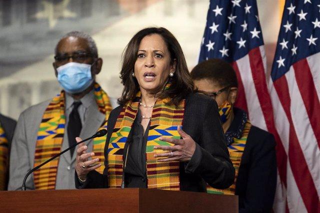 La senadora por California Kamala Harris.