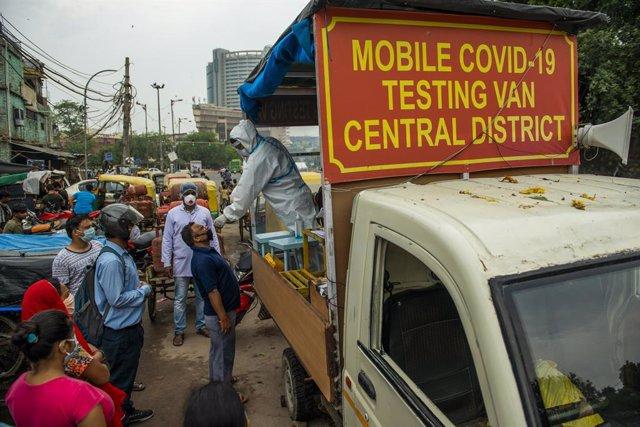 Coronavirus.- India vuelve a batir su récord de contagios de coronavirus y roza