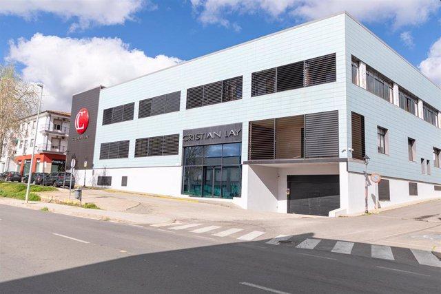 Exterior de la sede de Cristian Lay en Jerez de los Caballeros.