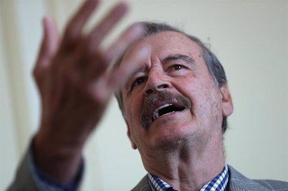 Cvirus.- Multan al ex presidente mexicano Vicente Fox por celebrar una boda pese a las restricciones por la pandemia