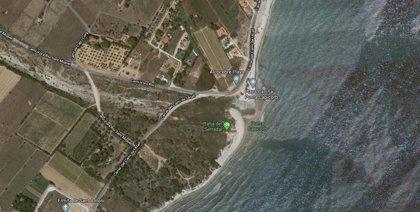 Un hombre fallece ahogado en la playa del Serradal de Castelló mientras ondeaba bandera roja