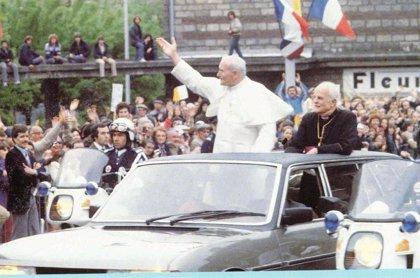 Peugeot celebra 40 años de la llegada del 604 Limousine, un modelo que utilizó el Papa Juan Pablo II