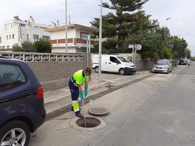 Ndp Y Foto. Facsa Inicia En La Playa De Almassora Los Trabajos Para Detectar Covid 19 En Aguas Residuales