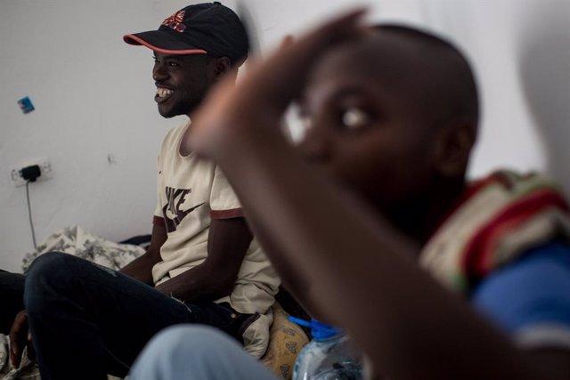 Túnez.- Túnez rescata a siete migrantes en una embarcación en el mar Mediterráne