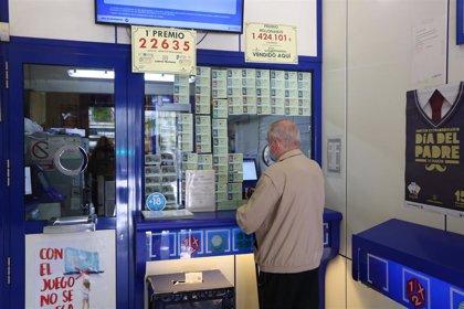 El primer premio de 300.000 euros de la Lotería toca en Almería y San Juan de Aznalfarache (Sevilla)