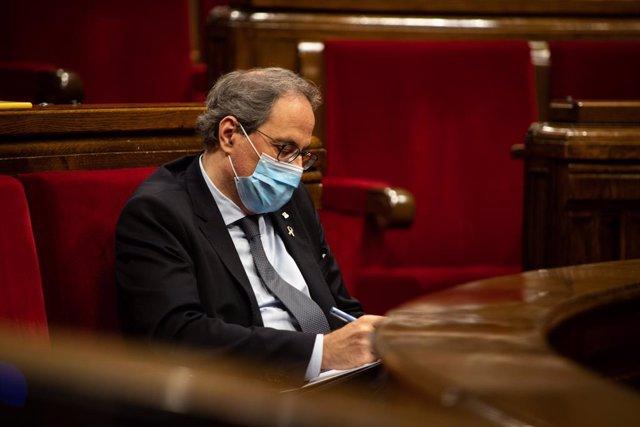 El president de la Generalitat, Quim Torra, durant un ple extraordinari que va sol·licitar en el Parlament de Catalunya per debatre sobre la monarquia. A Barcelona, el 7 d'agost de 2020.
