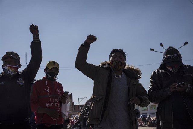 Protestas contra el aplazamiento de las elecciones de Bolivia.