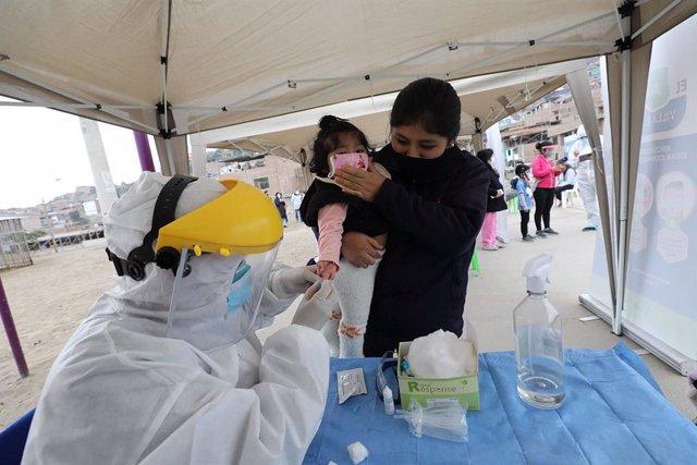 Coronavirus.- Perú actualiza sus registros y supera el medio millón de casos y l