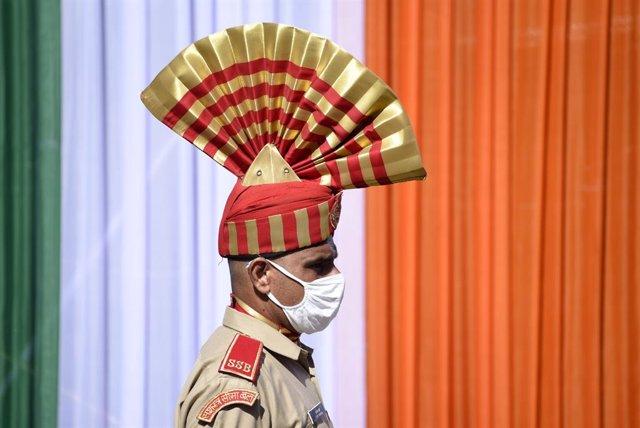 Coronavirus.- India supera los 2,4 millones de casos tras sumar más de 64.500 en