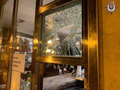 La Policía Local detiene a una persona por robar en el interior de un bar