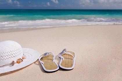 ¿Abusas de las chanclas y sandalias en verano? Cuidado con fascitis y tendinopatías